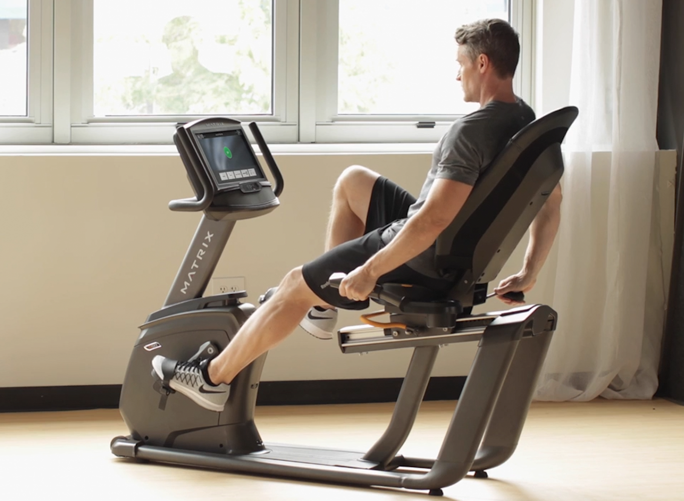 Matrix R50 Recumbent Bike with XR Console
